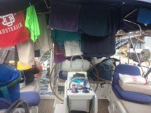 Cockpit clothes dryer